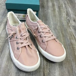 NWT Blowfish Fruit Pink Canvas Sneakers SZ 11